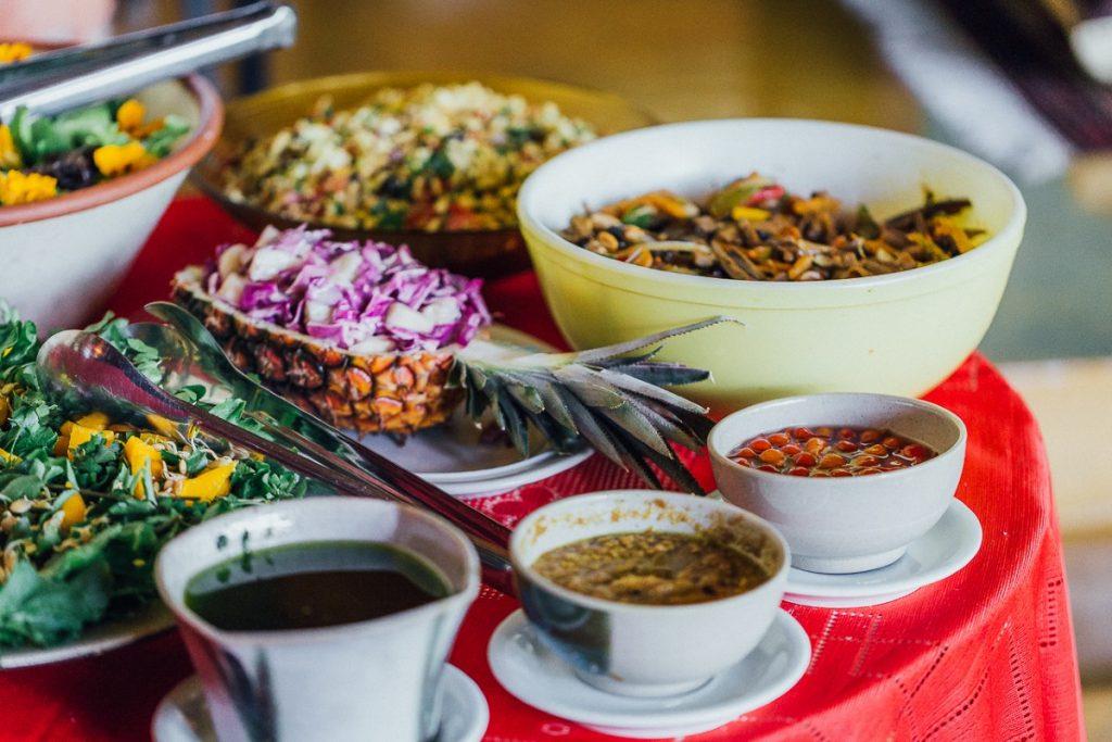 mesa com comidas natural